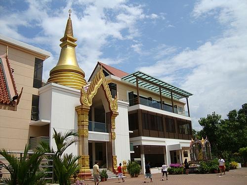 Wat Palelai