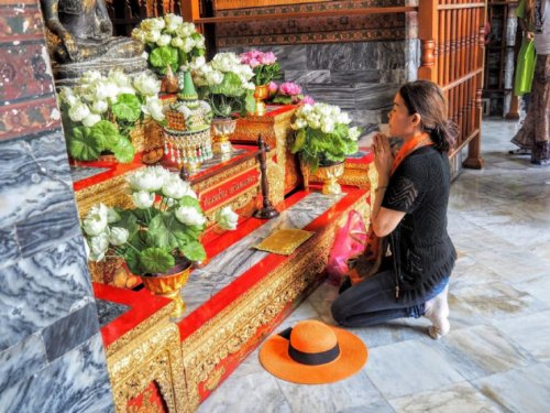 Tips on temple visit in Thailand