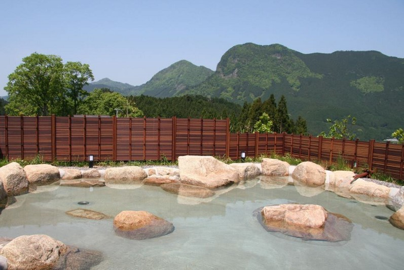 Reflection in an Onsen –Buddhist